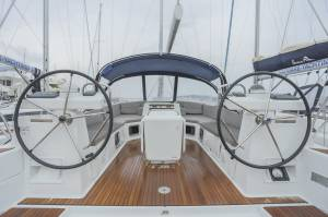Sailing yachts Jeanneau 54 - 6 cab. Blue Angel
