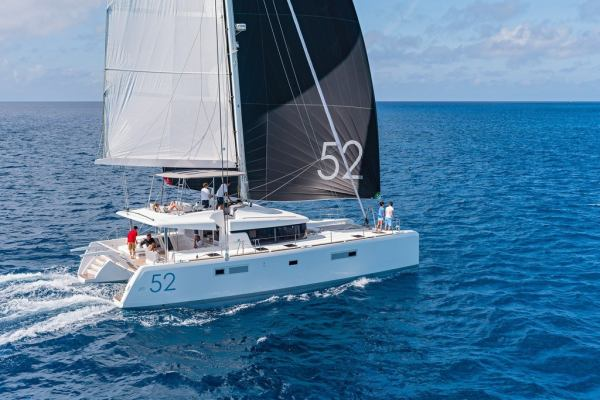Catamarans Lagoon 52 - 5 cab. Largo Winch CREWED