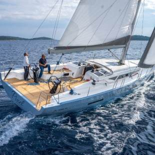 Sailing yachts More 55 Ms. Robinson