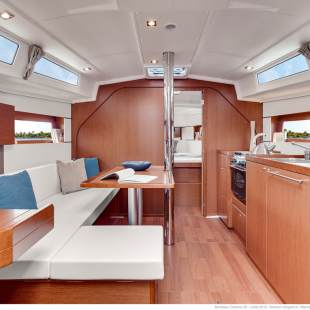 Sailing yachts Oceanis 38 - 3 cab. Martine