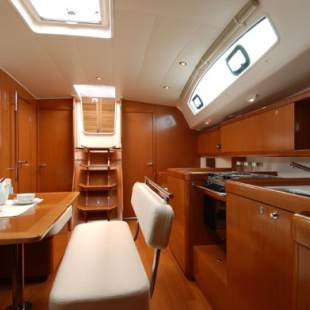 Sailing yachts Oceanis 43 Andromachi