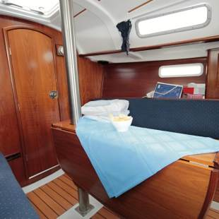 Sailing yachts Oceanis Clipper 311 - 2 cab. Penguin