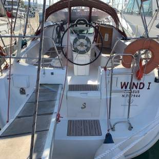 Sailing yachts Oceanis Clipper 331 Wind 1
