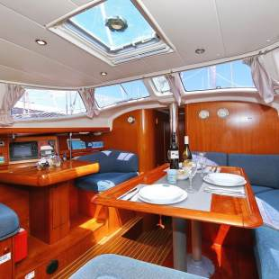 Sailing yachts Sun Odyssey 43 DS Tomi