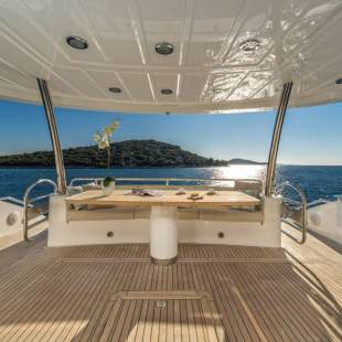 Luxury yachts Sunseeker Yacht 80 Spirit of the Sea